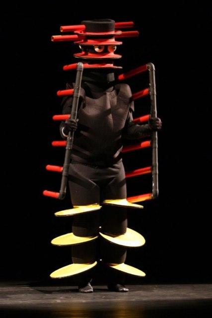 Coquetel Clown (2009).Grupo XPTO. Direção de Osvaldo Gabriele.  Foto de Beto Speeden