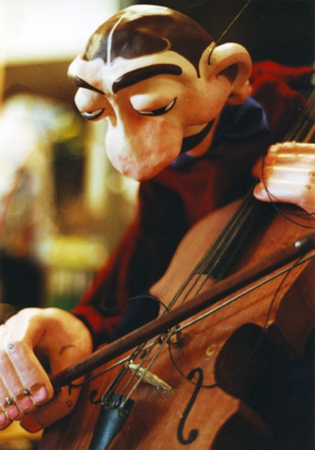 Música Maestro(2002). Cia. Manoel Kobachuk. Direção de Manoel Kobachuk. Foto de Roberto Reitenbach