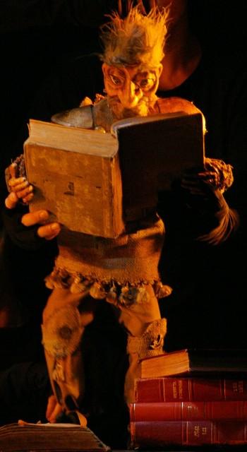 O Cavaleiro da Triste Figura(2003). Catibrum Teatro de Bonecos. Direção de Lelo Silva. Foto de Guto Muniz