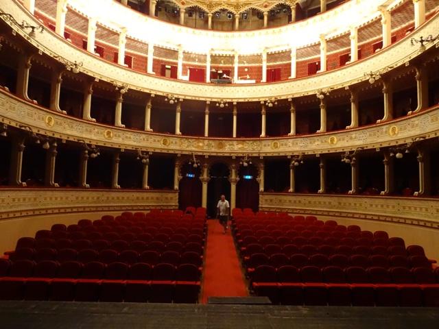 el Teatro Garcia de Resende