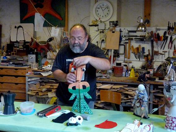David Laín en su taller. Foto de Jesús Atienza.