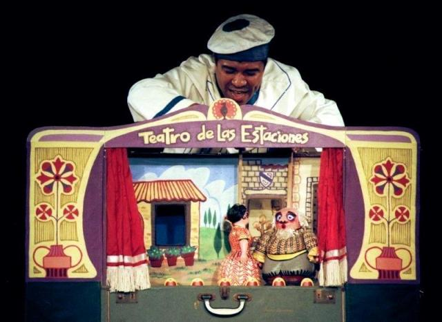 La niña que riega la albahaca, Teatro de Las Estaciones