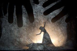 Taller de creación de Teatro de Sombras con Fabrizio Montecchi y Camille Trouvé: 'LABERINTO. Siguiendo las sombras'. Atelier della Luna, Santes Creus (Tarragona) @ Monasterio de Santes Creus | Santes Creus | Catalunya | España