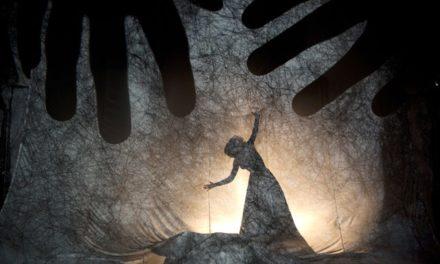 'LABERINTO. Siguiendo las sombras'. Taller de creación de Teatro de Sombras con Fabrizio Montecchi y Camille Trouvé. Atelier della Luna, Santes Creus (Tarragona)