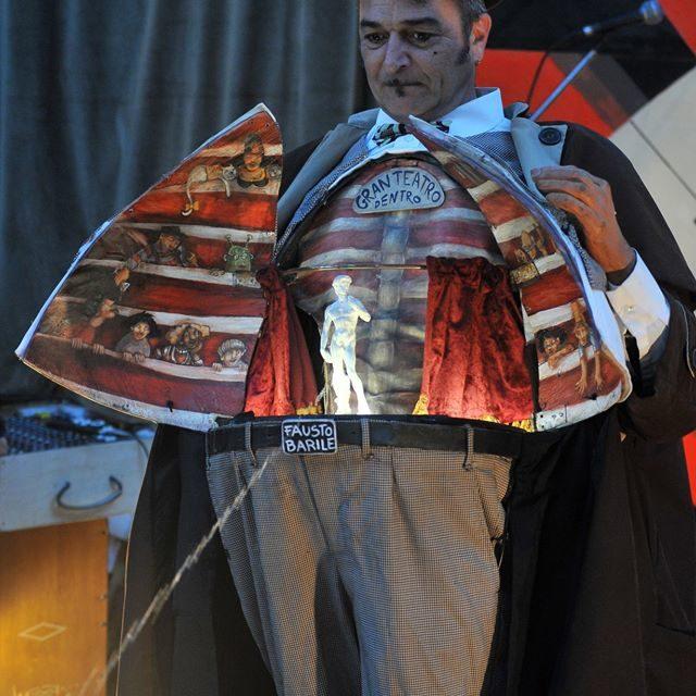 Parque de las Marionetas – Fiestas del Pilar – III – Fausto Barile, Teatro de Medianoche, Cachivache, Noisy Oyster, Civi Civiac, Closeland, 'Les Contes d'Asphald' y los peep box del Teatri Mobili