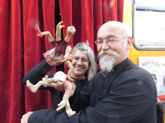 Parque de las Marionetas – Fiestas del Pilar – I – Teatri Mobili, Luís Zornoza, Gaspare Nasuto, Sara Henriques y Arnau Colom