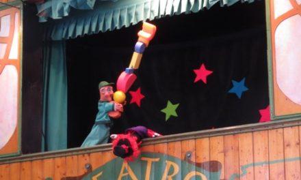 Pelegrín en la Plaza de Los Sitios de Zaragoza. 'Es-Puto' Cabaret en el Teatro Arbolé. Desfile para la Ofrenda Floral