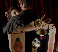 <!--:es-->'Historieta de un abrazo', en La Puntual<!--:-->