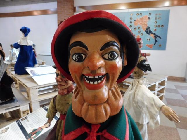 <!--:es-->'Le Strade di Pulcinella', exposición en Cordenons (Friuli, Italia). I Parte<!--:-->