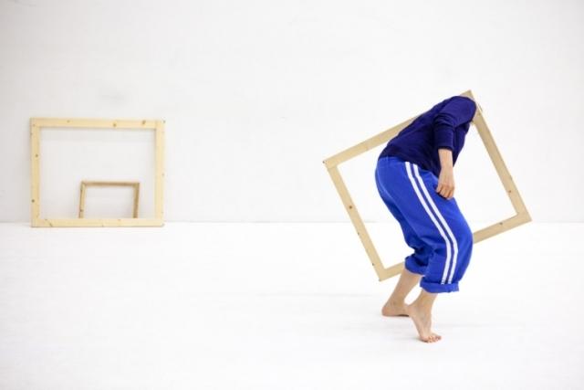 WeWood: taller laboratorio de Danza y Objetos, con Federica Porello. Del 30 de octubre al 3 de noviembre 2017