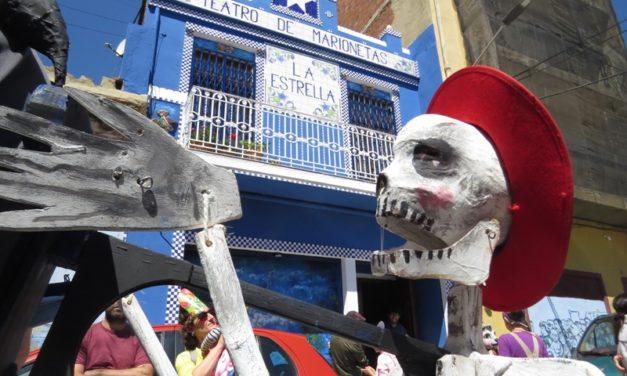 I- El Festival de Titelles al Cabanyal, Valencia: Pasacalle y Alauda Teatro