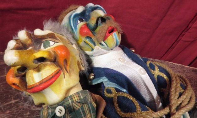 IV: Exposición 'Giù la maschera' y 'MAgicaBUra!', Festival de Teatro di Figura, en Pordenone, Italia: 'Aprisogni', Walter Broggini y 'C'è un asino che vola'