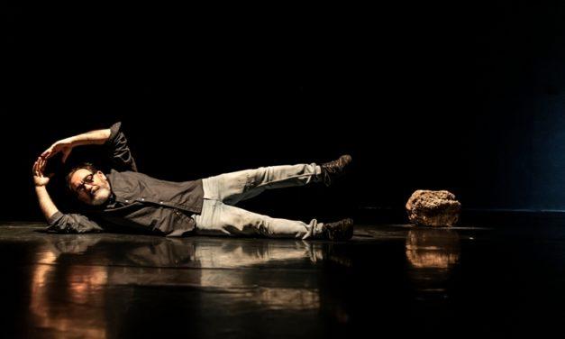 'Piedra y Encrucijada', de Paco Zarzoso, en la Sala Beckett de Barcelona