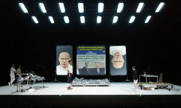 'The Mountain', por la Agrupación Señor Serrano, en el Teatre Lliure de Barcelona