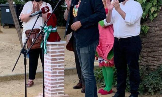 Peneque el Valiente estrena libro y estatua en Écija, durante el TítiriMartes